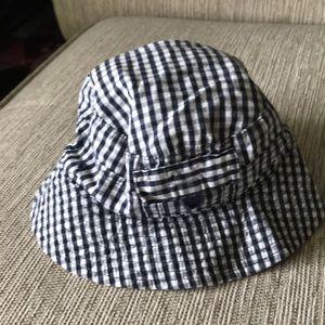 Baby GAP gingham bucket hat